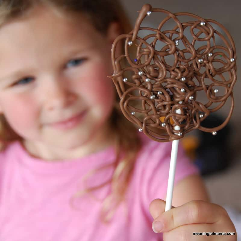 chocolate-swirl-lollipops-2