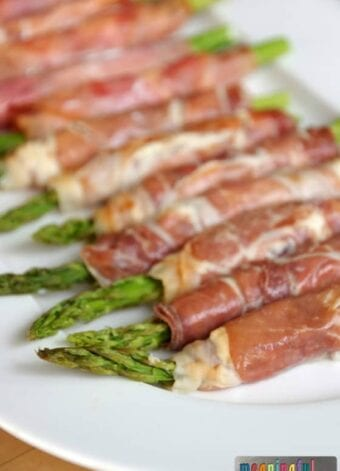 Asparagus with Prosciutto and Cream Cheese Appetizer