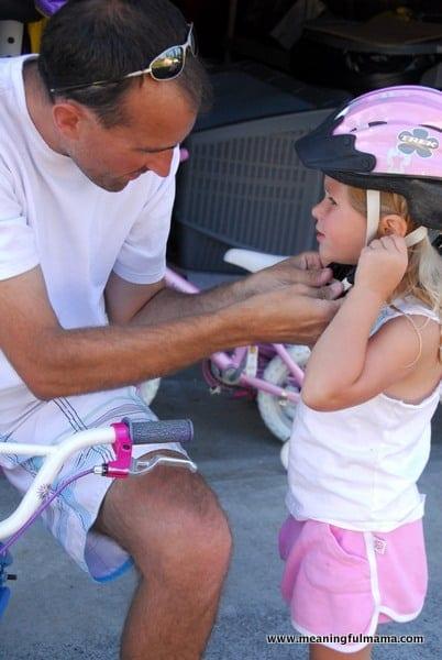 1-teaching-kids-to-ride-a-bike-001