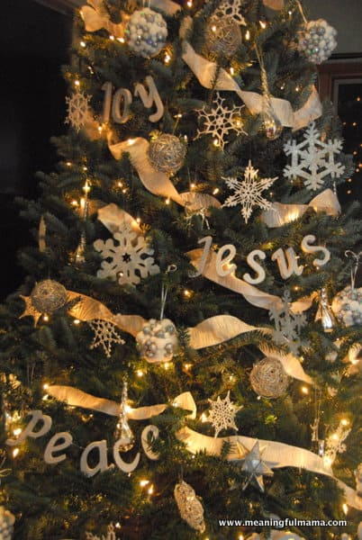 1-diy christmas tree word decorations-008