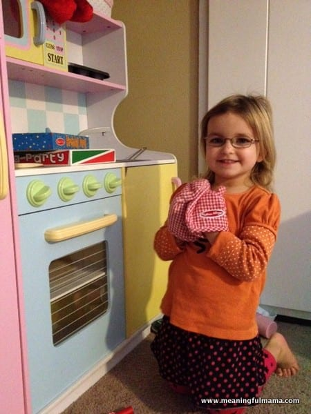 1-girl-playing-in-kitchen