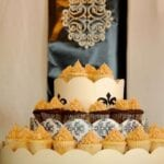 How to Do a Mini Cupcake Tiered Cake