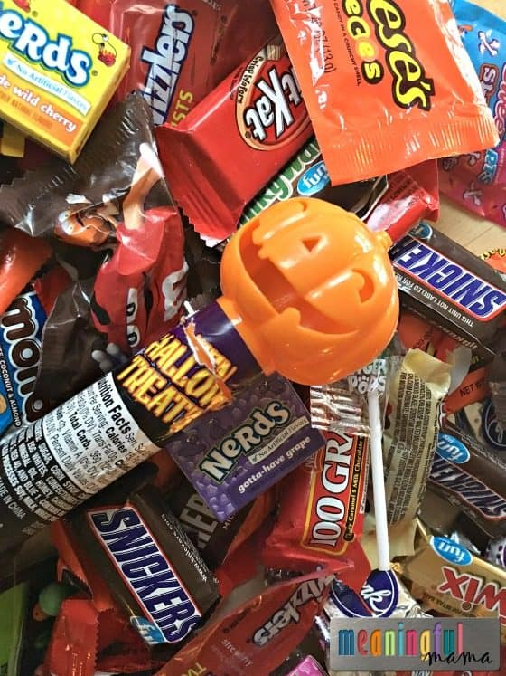 how-to-handle-halloween-and-holiday-candy-with-kids