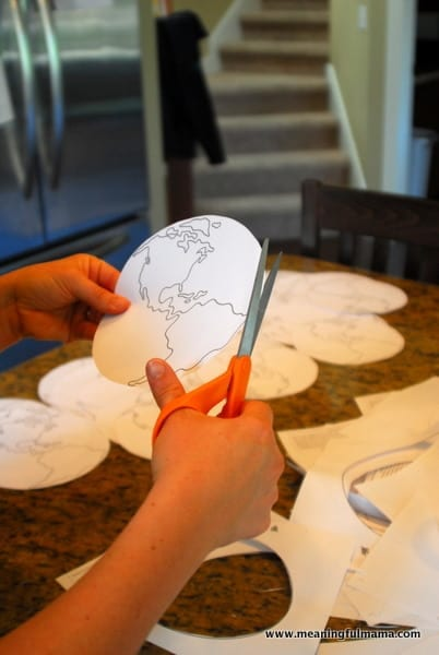 1-#world craft #paper plate #Cubbies #Bear Hug #2-018
