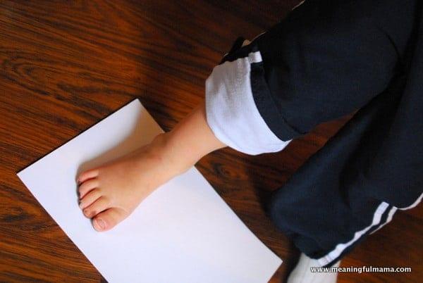 1-#thanksgiving turkey #craft #footprint #craft for kids-002