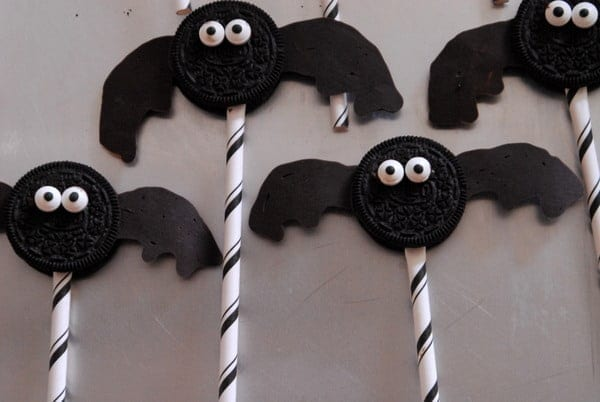 1-#bat oreos #superhero #food #party #Halloween-017