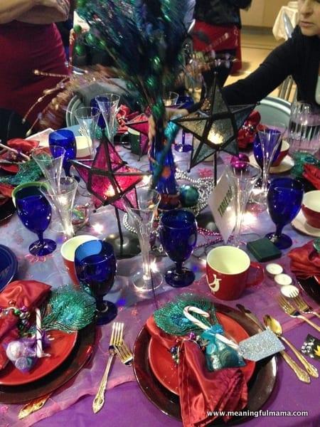 1-#christmas #table #decorations #decorating ideas #diningroom-017
