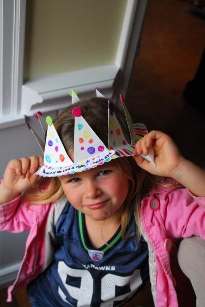 1-#paper plate crown #cubbies bear hug 10 #AWANA crafts-022