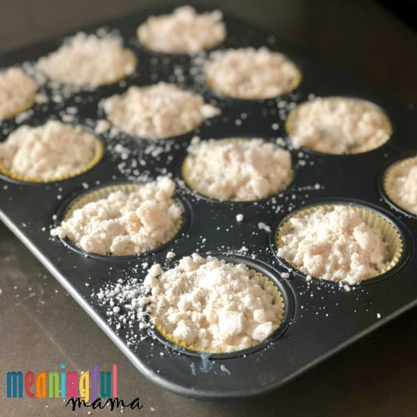 How to Make a Crumble for the Top of Muffins