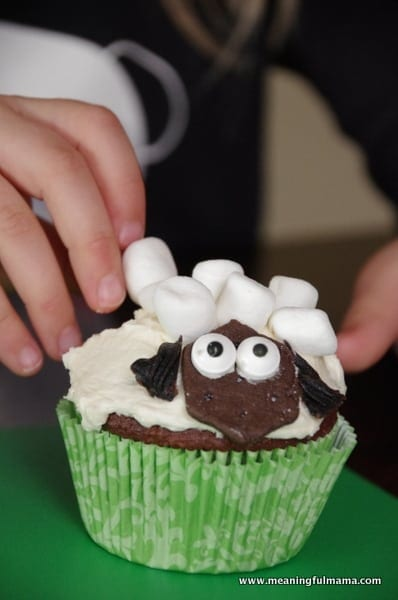 1-#lamb #sheep cupcake decorating marshmallows Feb 6, 2014 1-054