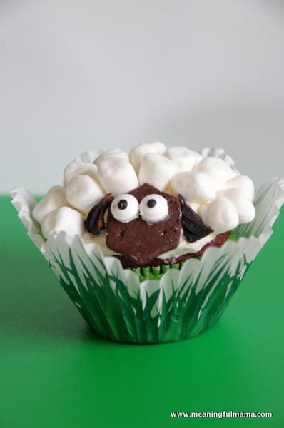 Cupcake Decorating Ideas With Marshmallows : Marshmallow lamb crafts