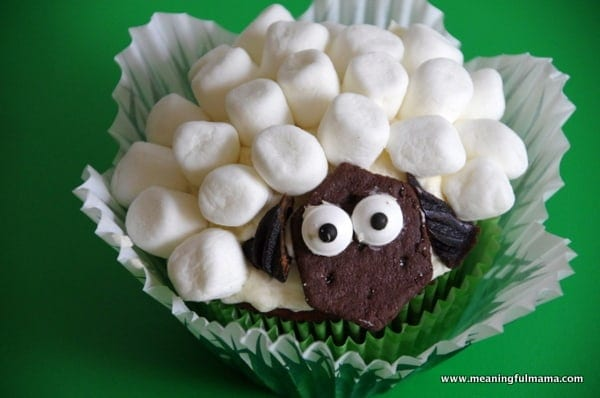 1-#lamb #sheep cupcake decorating marshmallows Feb 6, 2014 1-58 PM