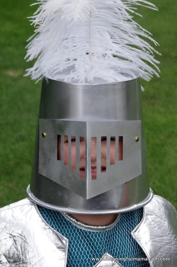 1-diy knight helmet popcorn container May 29, 2014, 1-045