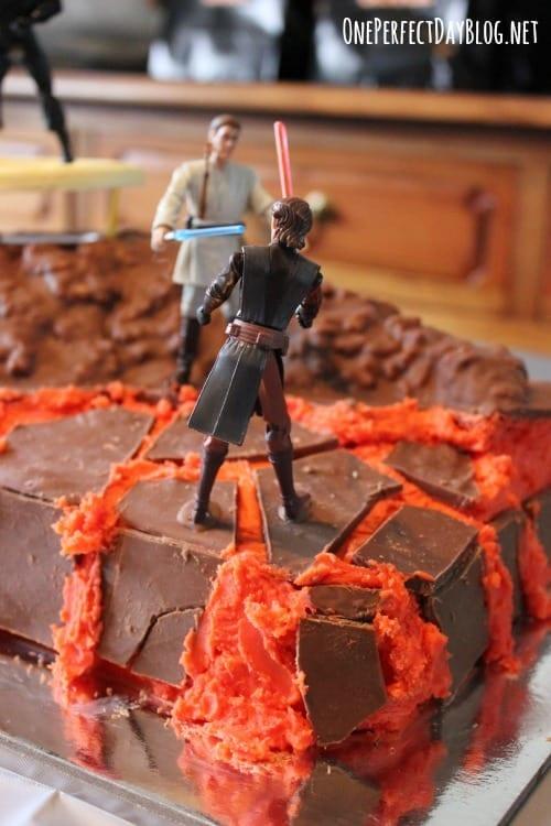 Simple-Star-Wars-birthday-cake