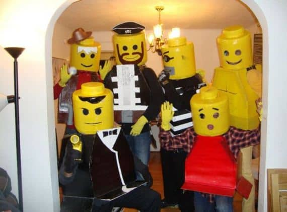 15 creative family costume ideas 17 diy lego halloween costume solutioingenieria Image collections