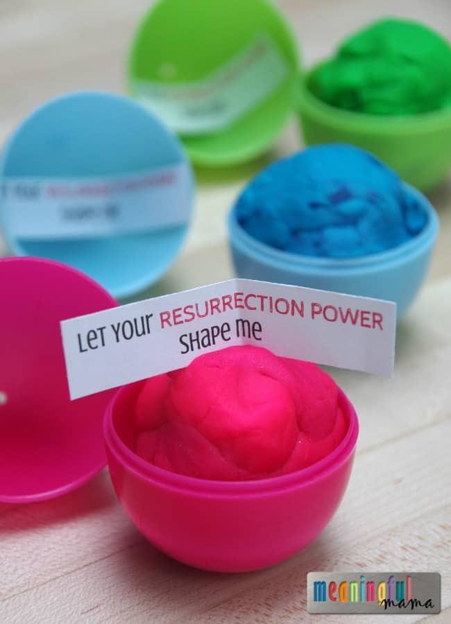 Play Doh Plastic Easter Egg Filler