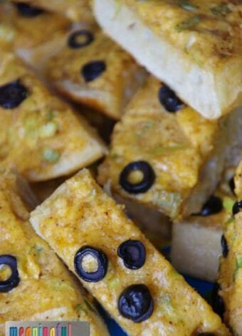 Hot Cheddar Olive Bread