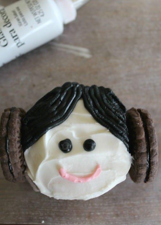 princes leia cupcakes