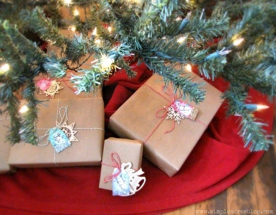 5-CHristmas tree and gifts