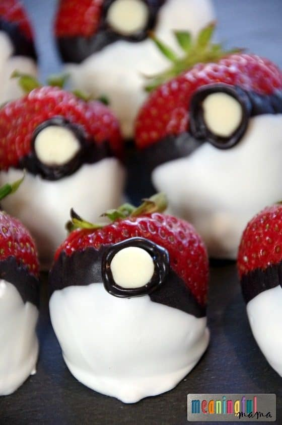 Pokemon Go Food Ideas - Chocolate Covered Strawberry Pokemon Balls Jul 26, 2016, 4-036