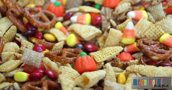 harvest-chex-mix-with-pumpkin-spice