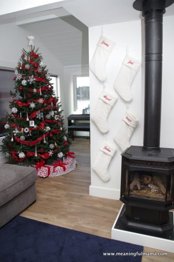 1-christmas-decor-2016-dec-8-2016-10-11-am