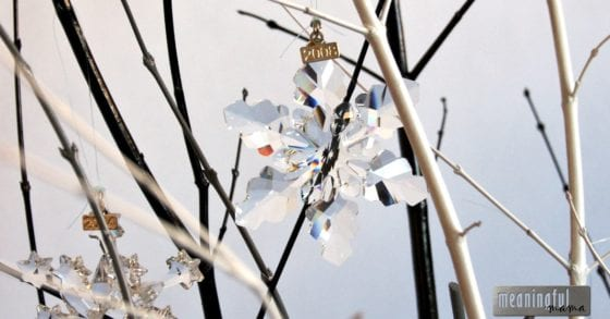diy-swarovski-crystal-snowflake-and-ornament-display-tree