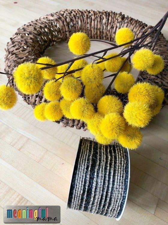 Easy DIY Modern Fall Wreath 2 - Meaningfulmama.com