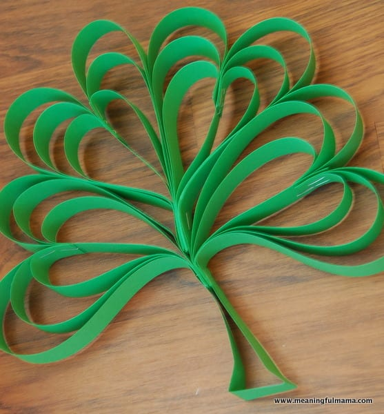 Four Leaf Clover Paper St. Patrick's Day craft
