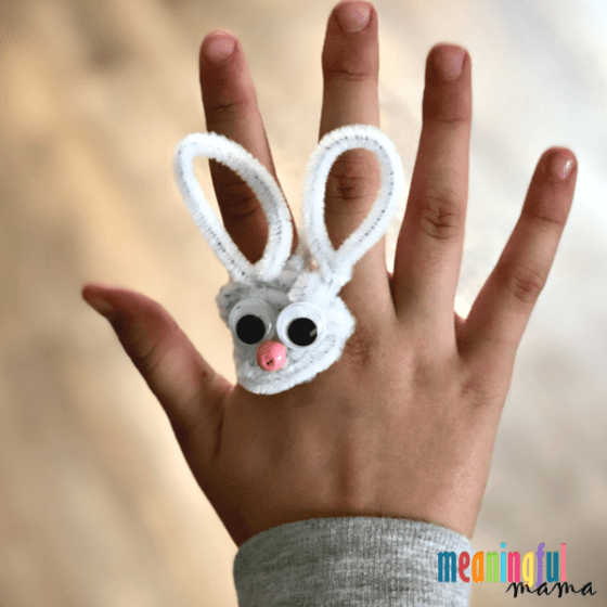 bunny pipe cleaner craft
