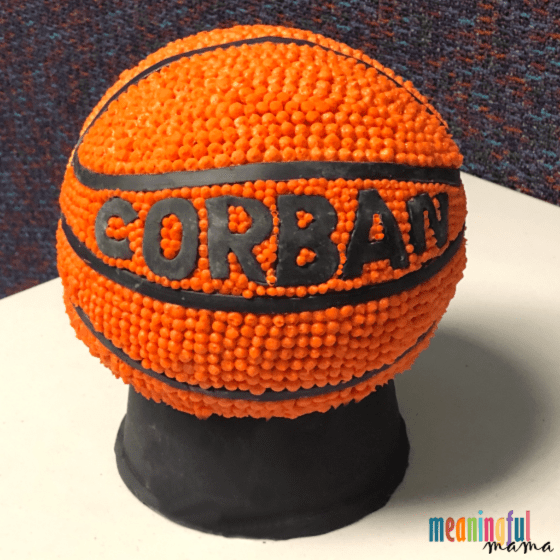 sphere basketball cake decorating with frosting