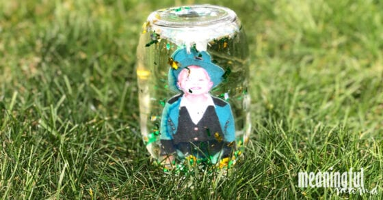DIY St. Patrick's Day Glitter Globe in Grass
