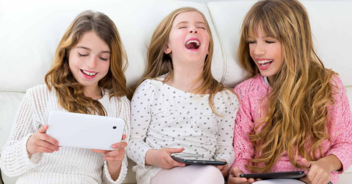 15 Cool Games to Play over Facetime or Skype Calls | Free ...