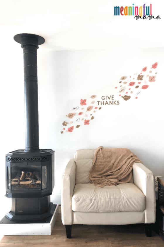DIY Thankfulness Wall Decorations